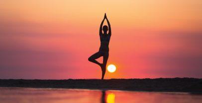 كيفية خسارة الوزن باستخدام اليوغا خلال شهر 1 | آدام ريفي